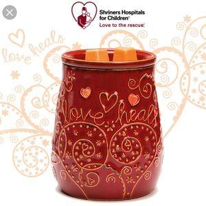❤️ BRAND NEW Love Heals Scentsy Warmer